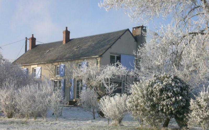 CIMG6731-2JPG##Chambres d'hôtes Chez Léon##Maison et jardin en hiver##