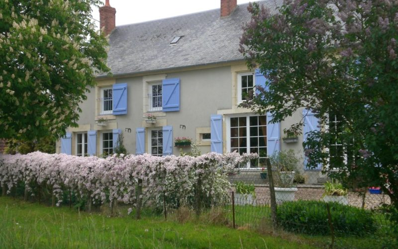 CIMG7109JPG##Chambres d'hôtes Chez Léon##Maison en juin##