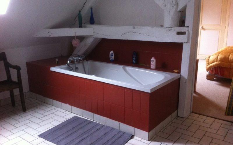 Gite-de-l-ile-Credit-Mme-Monnier-8jpg##Gîte de l'île - Salle de bains 2éme étage##Crédit Mme Monnier (8)##