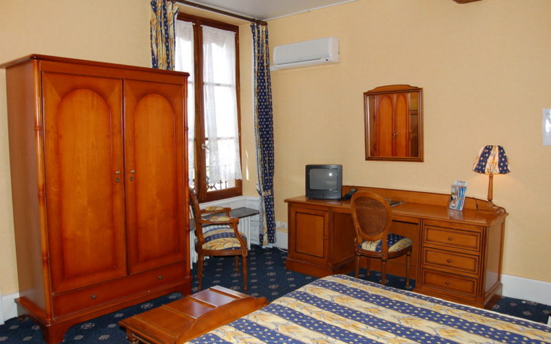 Photos-hotel-010jpg##Hôtel Le grand Monarque de La Charité##ADT 58##