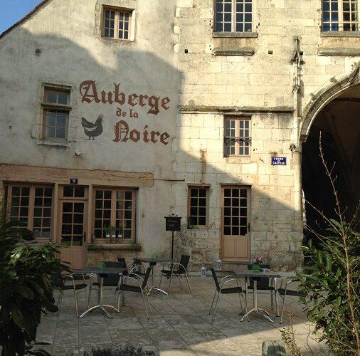 Poule-Noire-Credit-Hotel-9