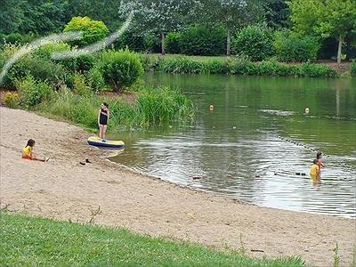 premery-premeryjpg##Baignade à l'étang des Prés de la Ville##ADT 58##