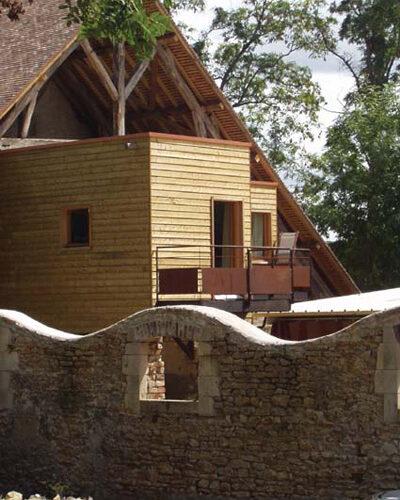 Vache-cabanesjpg##Gîte Les Cabanes Saint-Jacques##ADT 58##