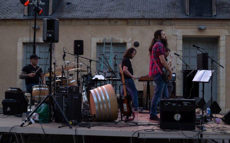 Concert-du-14-juillet-The-Barrels-Red-kiss-Orchestra-02jpg##Concert-du-14-juillet--The-Barrels---Red-kiss-Orchestra--02##Théâtre des Forges##