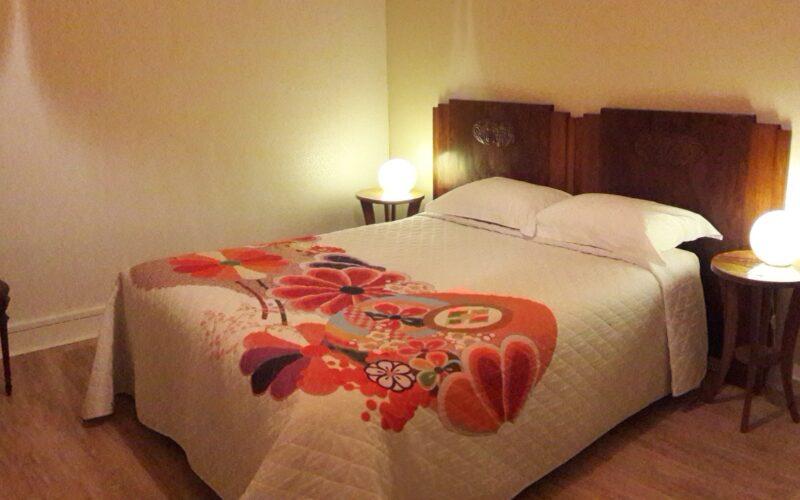 Chambre-du-bas-nuit-2-LeDix-bnb-OT-jpgChambre-du-bas-nuit-2-LeDix-bnbD Terrasson##