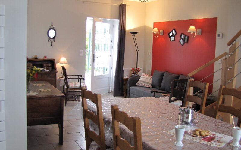 salle-de-vie-vue-depuis-la-cuisinejpg##Salle de vie La Chênaie##ADT 58##